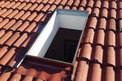 Open light well shaft for skylight